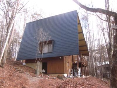 屋根の葺き替え工事を頂きました。